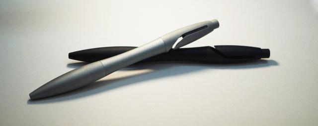 回りすぎるボールペン【Gyro-ジャイロ-】